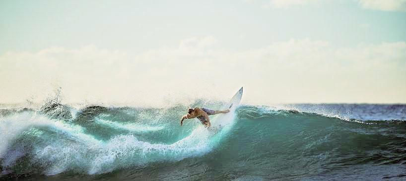 surfing-926822_818x366_lzn